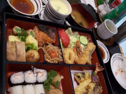 moms-tenpura-bento-set-smaller.jpg
